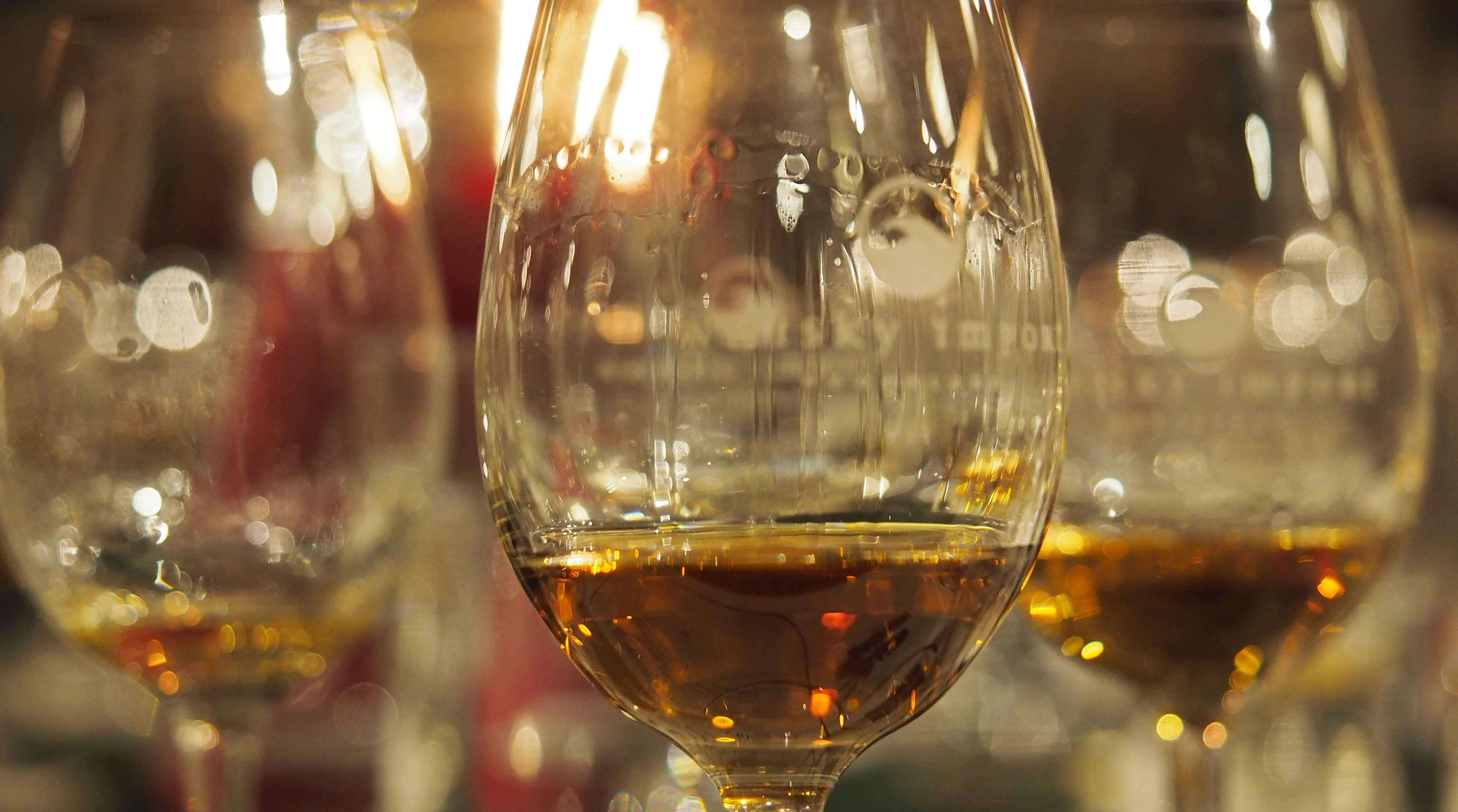Henri Goossen Whiskyteacher whiskyproeverij whiskeyproeverij whisky legs feestavond