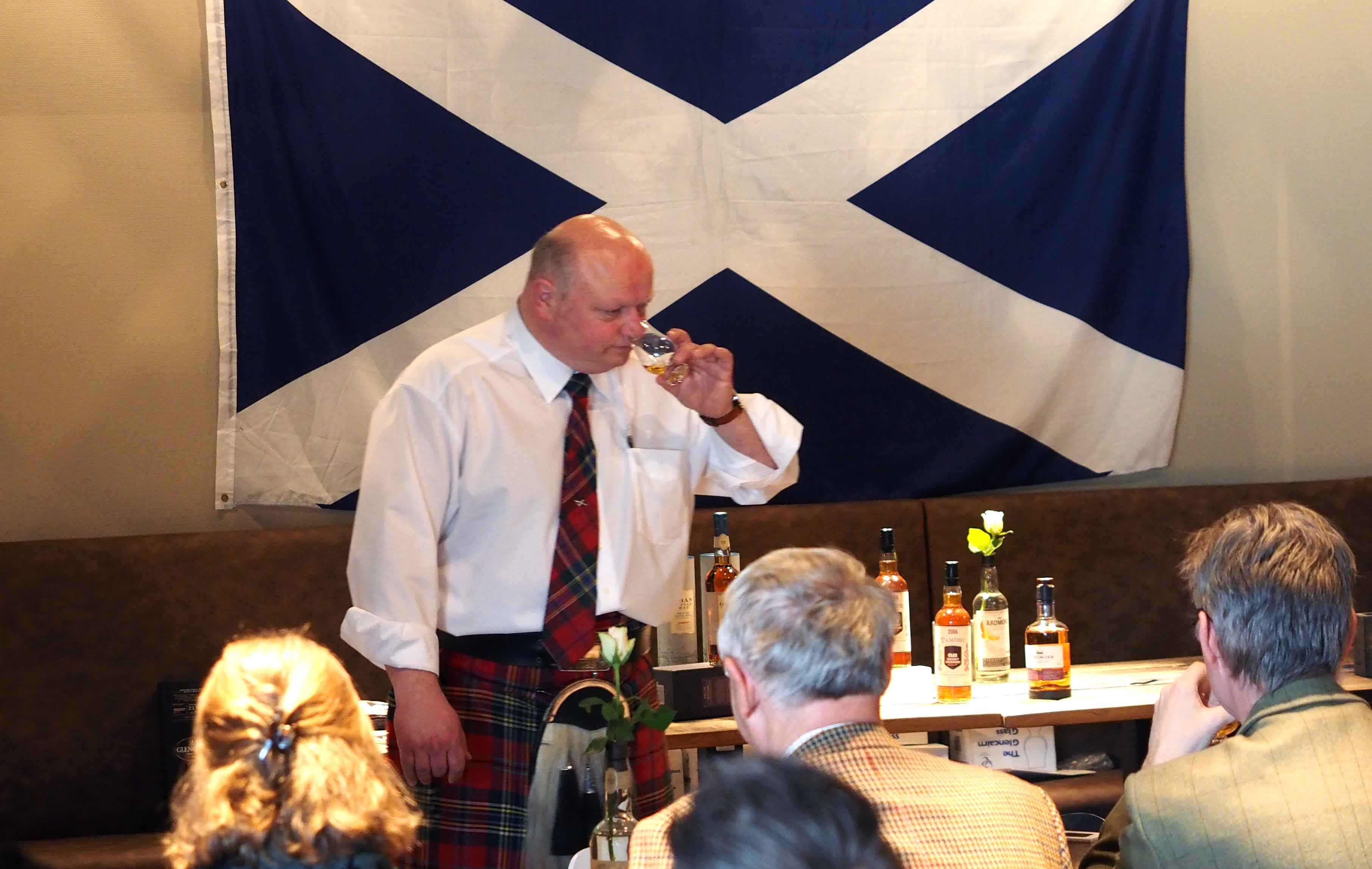 nosing and tasting, whiskyproeverij, the whiskyteacher, Henri Goossen, whiskyvlog, Henry Goossen, Henri Goosen, Henry Goosen, whiskyfestival